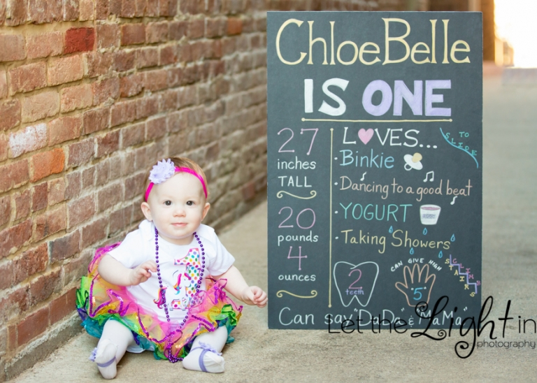1 year old girl posing for her Portraits in Warrenton VA