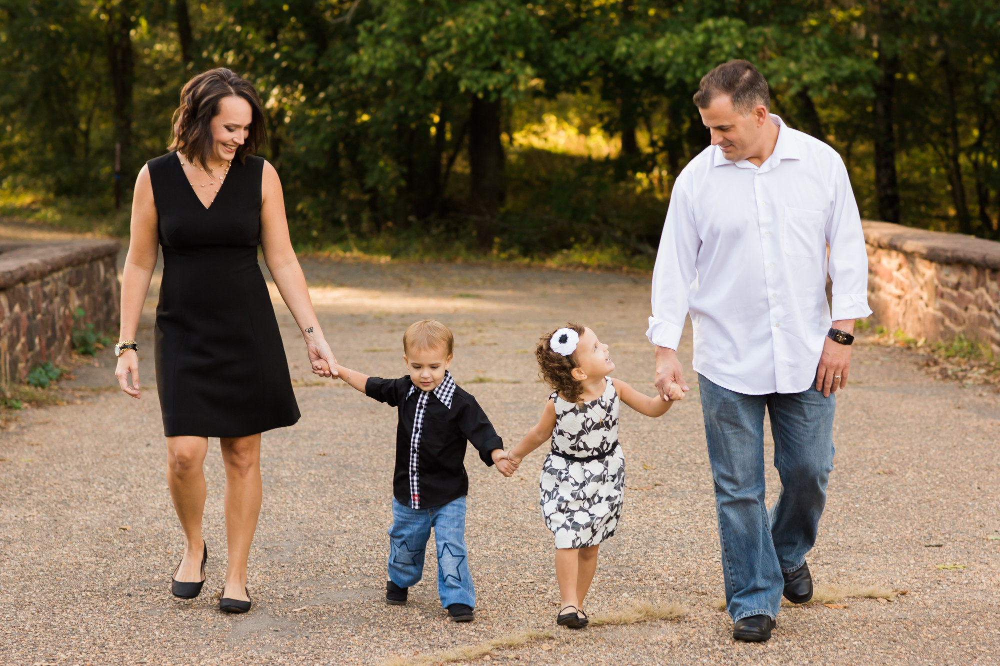 Family walking at Manassas Battlefield Stone Bridge