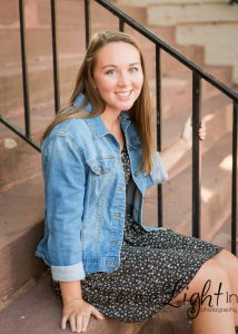 Senior Portrait of a girl in Warrenton Virginia on Courthouse steps